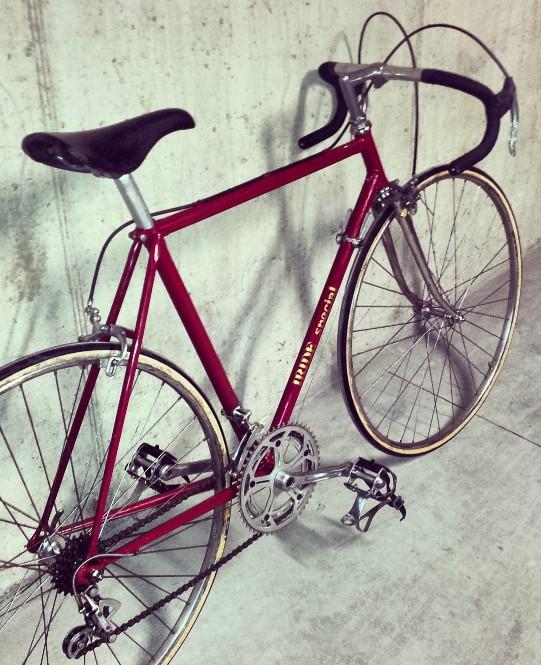 bici da corsa d'epoca con la mitica sella San marco Concor, una delle selle da corsa più usate nelle storia