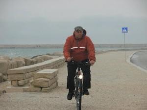 giornalista-greco-bici