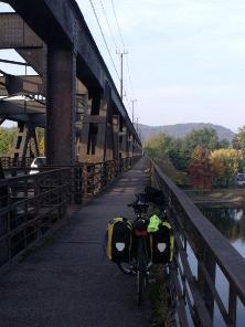 Ponte di arrivo alla stazione di Sesto Calende