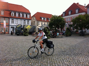 Jiuliana fa il giro del mondo in bici