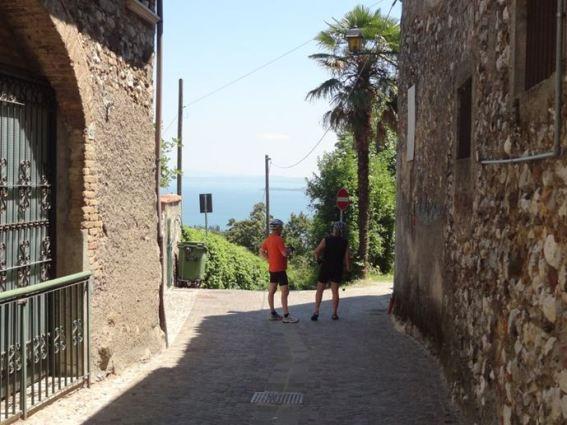 Nella cornice del quadro …..il borgo di Pratello