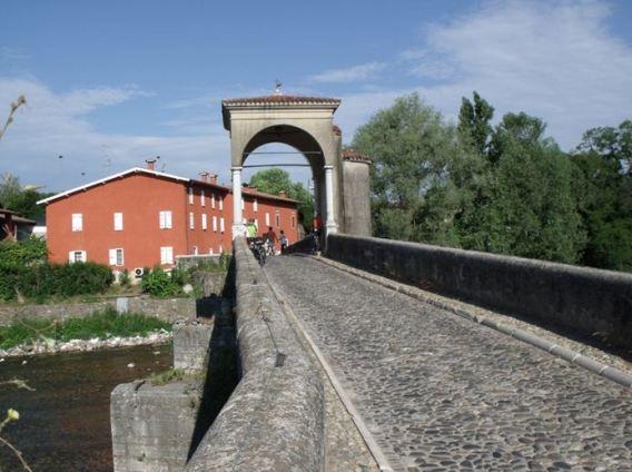Ponte antico a Pontenove