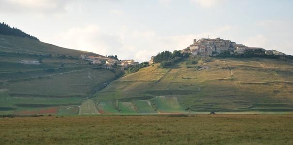 castelluccio-borgo