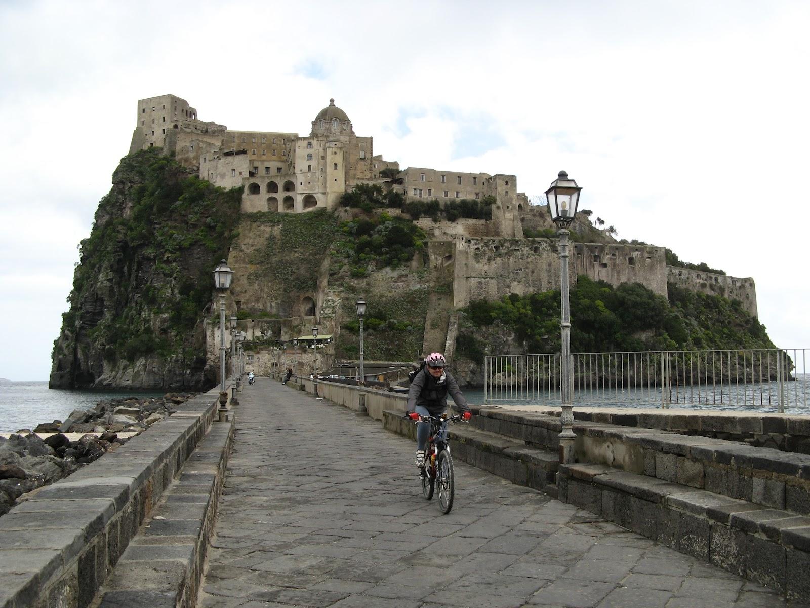 11 In bici al Castello