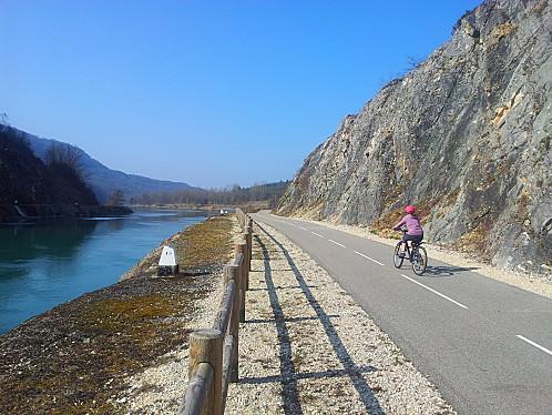 pista ciclabile fiume-rodano-cicloturismo