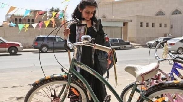 bicicletta-arabia-donne