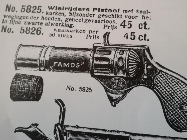 cicloturisti-pistola