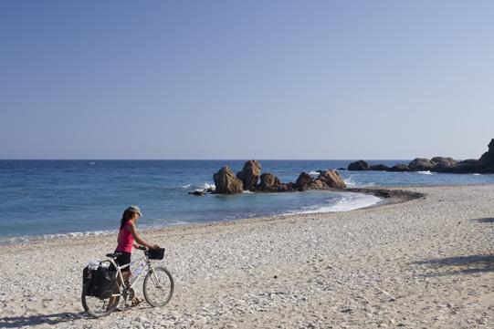Pinar spinge spiaggia
