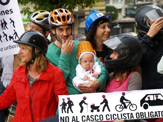 Spagna casco obbligatorio bici