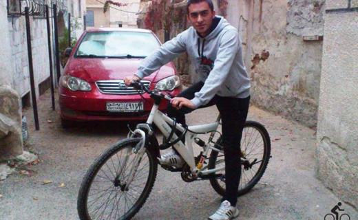 Studenti di Damasco in bici durante la guerra civile