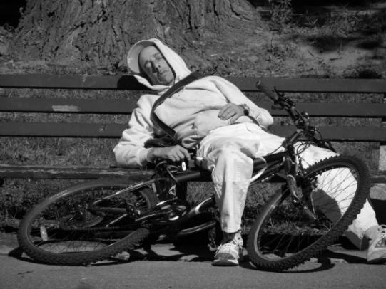Ciclista che dorme