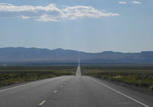 Un tratto della Highway 50 nel deserto del Nevada