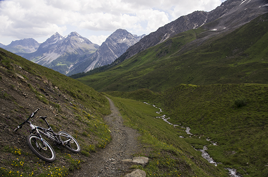 lonely bike excursion Arosa