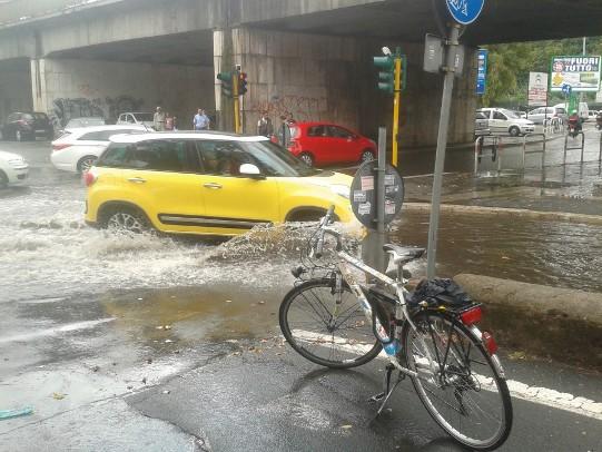 bici-pioggia