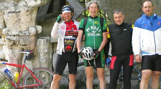 canossa-bike-2