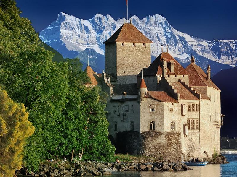 Itinerario dei laghi in Svizzera, il castello di Chatillon