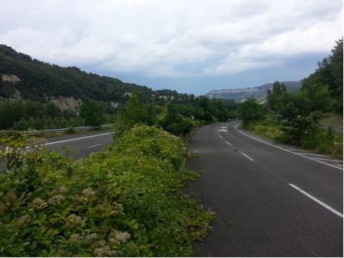 Tratto di autostrada abbandonata