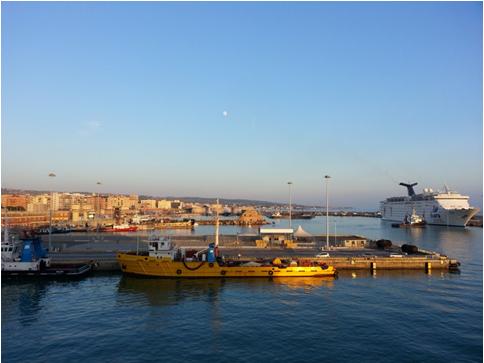La vista del porto dalla nave
