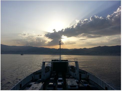 La Sicilia vista dal traghetto