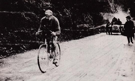 Luigi_Ganna_1909