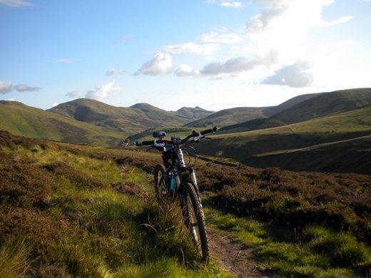 mountainbikeadventures.blogspot.com