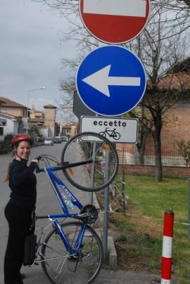buonconvento-senso-unico-eccetto-bici