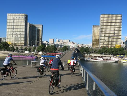 Parigi ponte ciclopedonale