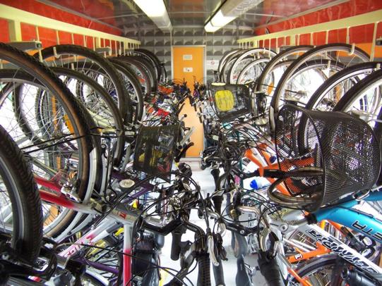 Trentoblog_it_Trentino_treno_Minuetto_trasporto_bici