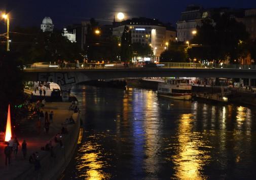 fiume Danubio notte