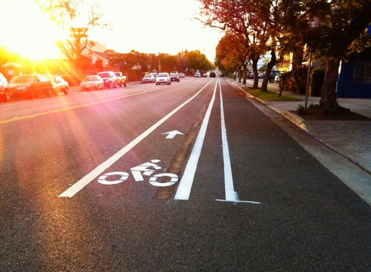 COLORADO_CYCLING_BIKE_LANE_IN_EVIDENZA