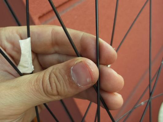 centrare la ruota della bicicletta