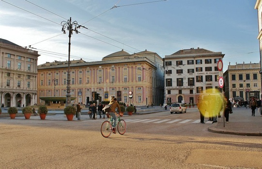 Genova cicloparcheggi biciclette
