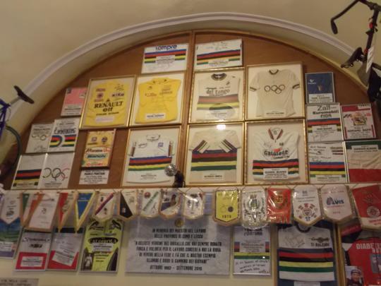 il Santuario è un vero museo della storia del ciclismo