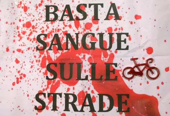BASTA_SANGUE_SULLE_STRADE