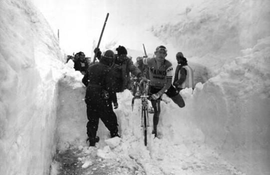 Giro-d-Italia-1965-l-epica-tappa-sullo-Stelvio_gal_landscape