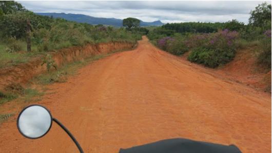 15-APR-2014: lungo il percorso tra São João del Rei e Carrancas, un'intera giornata quasi tutta così !!