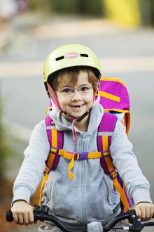 Virum Skole, børn cykler til skole, Danmark