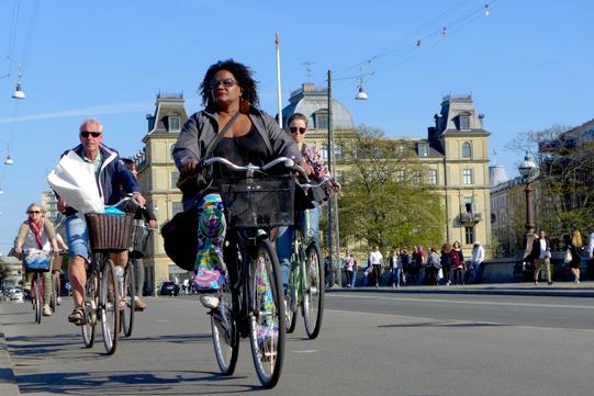 Regina nera in bici