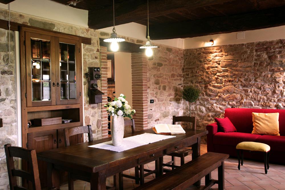 Sala Da Pranzo Rustica : Bike hotel sassoferrato villa rustica le piagge