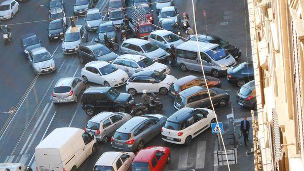 traffico_viabilita-roma-smog-trafficone-strade