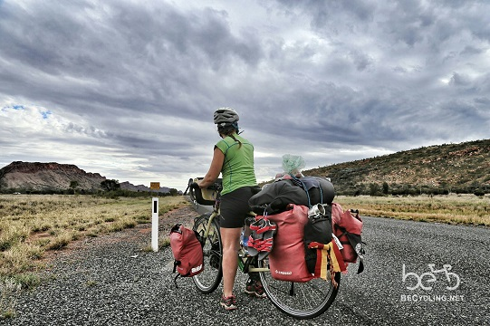 Come t'impacchetto i bagagli per il cicloviaggio: il video in timelapse