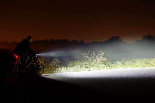 Luci anteriori per bici quanti lumen sono abbastanza
