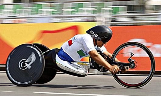 Alex Zanardi a Rio 2016 con la sua handbike nella corsa cronometro