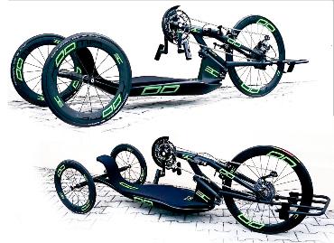 Handbike con ruote uguali (sopra) e in configurazione con ruote posteriori di dimensioni ridotta (sotto)
