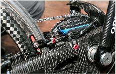 Dettaglio dei freni della handbike di Alex Zanardi