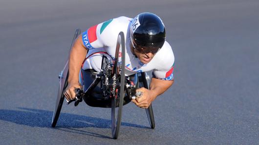 Con la pedalata asincrona non si potrebbe affrontare una curva in questa posizione aerodinamicamente perfetta