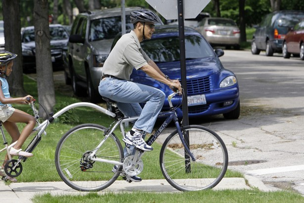 barack obama in bici