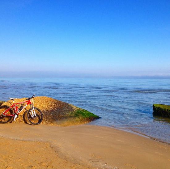 Bicicletta sulla spiaggia