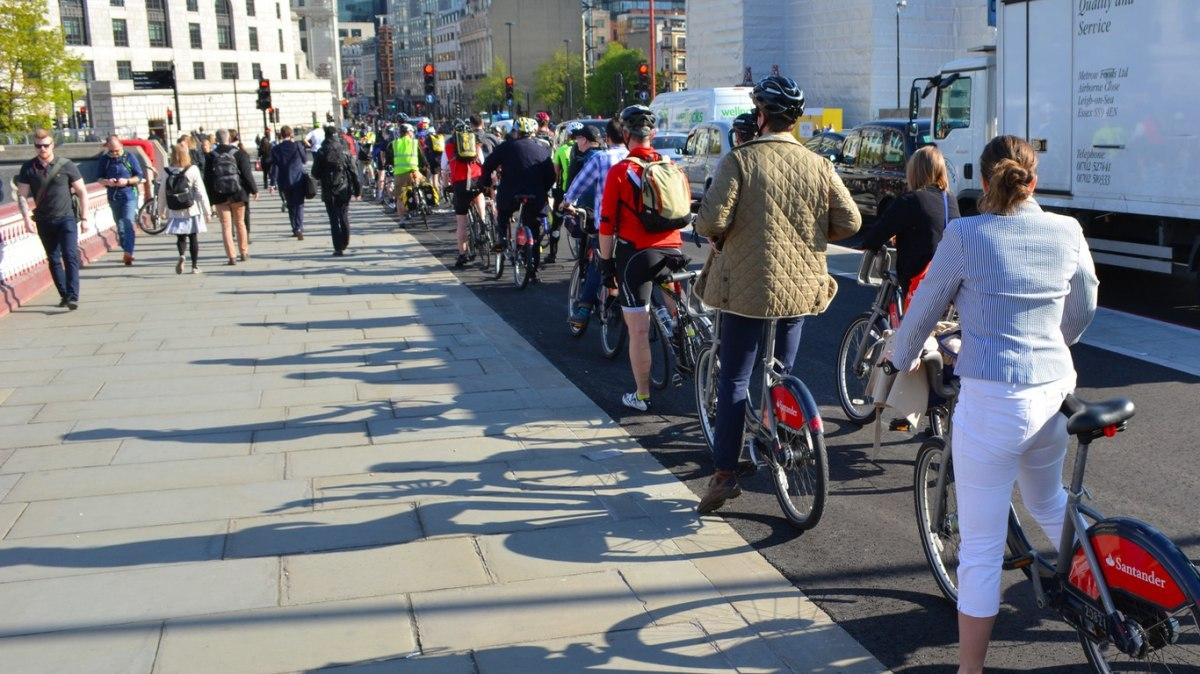 blackfriars-bridge-cycleway-london
