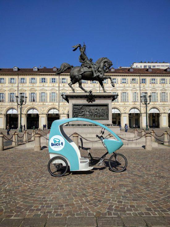 Triciclo a pedali a Torino